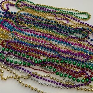 Plastic party beaded necklaces 21pc